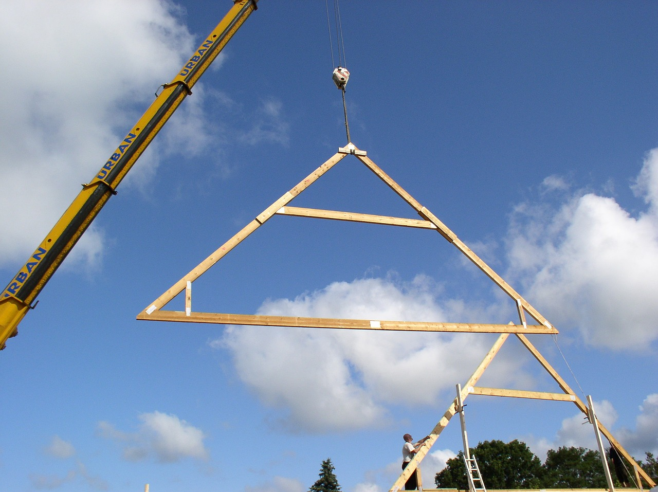 The importance and benefits of roof truss aber roof truss for Order roof trusses online