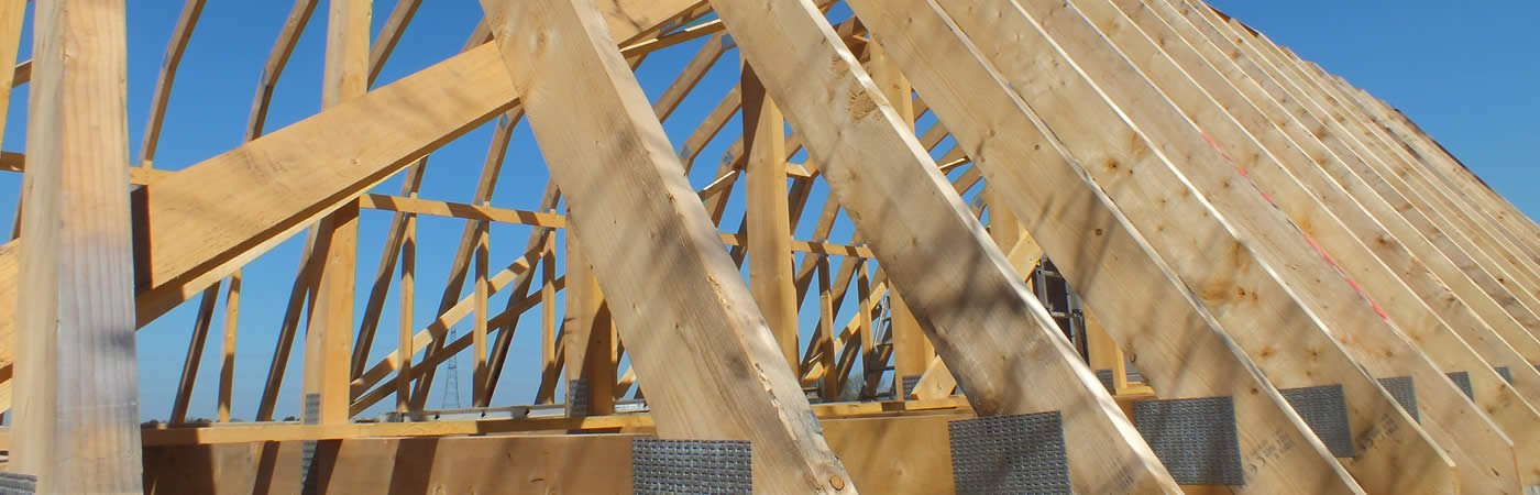 The cost saving benefits of roof trusses aber roof truss for Rafters vs trusses cost